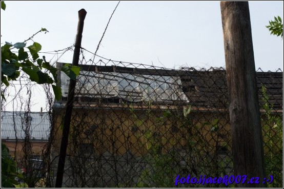 obrázek poničená střecha