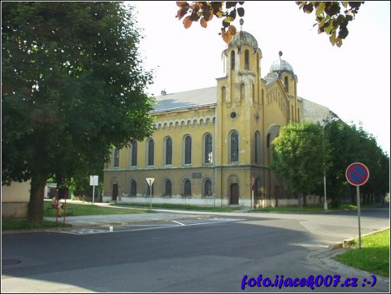 obrázek krnovská synagoga
