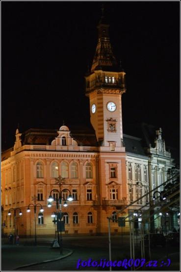 obrázek noc radnice krnov 2017