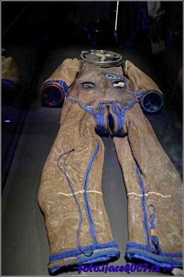 obrázek oblek